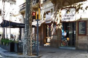 Vinos en Barcelona, Charrito