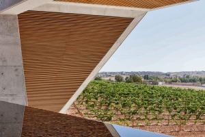 Norman Foster, Arquitecto, Bodegas Portia