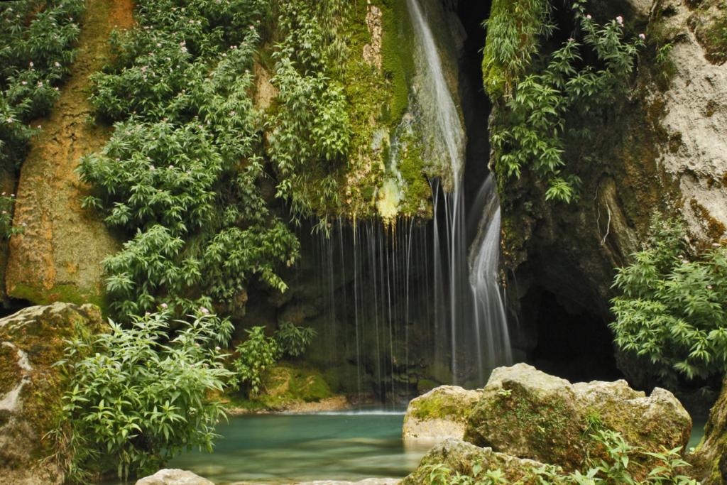 Cuatro sitios de Picnic en Navarra, Nacedero río Urederra