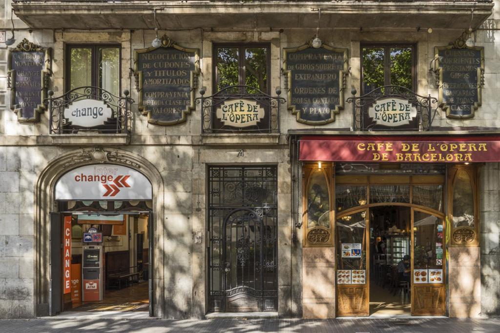 De vinos por Casco Viejo de Barcelona, Café de l'Opera