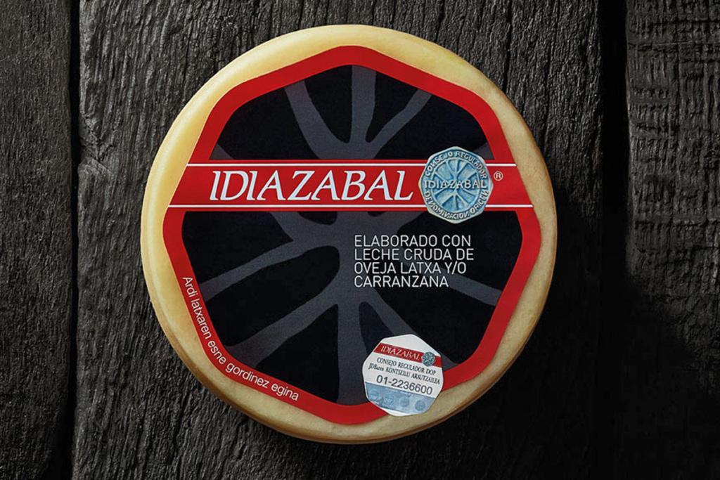 Quesos Navarros y buen vino, Queso Idiazabal