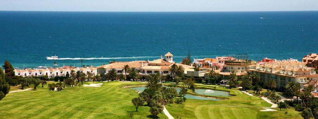 A Faustino le gusta el golf, Club de Golf la Duquesa