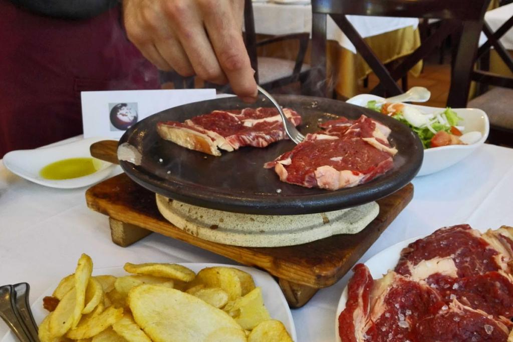 Segovia bien vale una escapada, Meson Riscal, Carbonero el Mayor