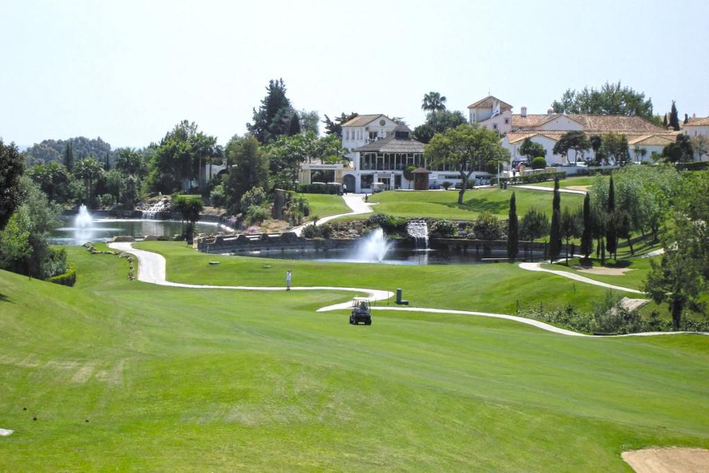 A Faustino le gusta el golf, Santa María Golf Club