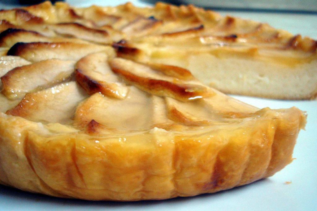 Reposteria caliente y vino, tarta manzana fina caliente