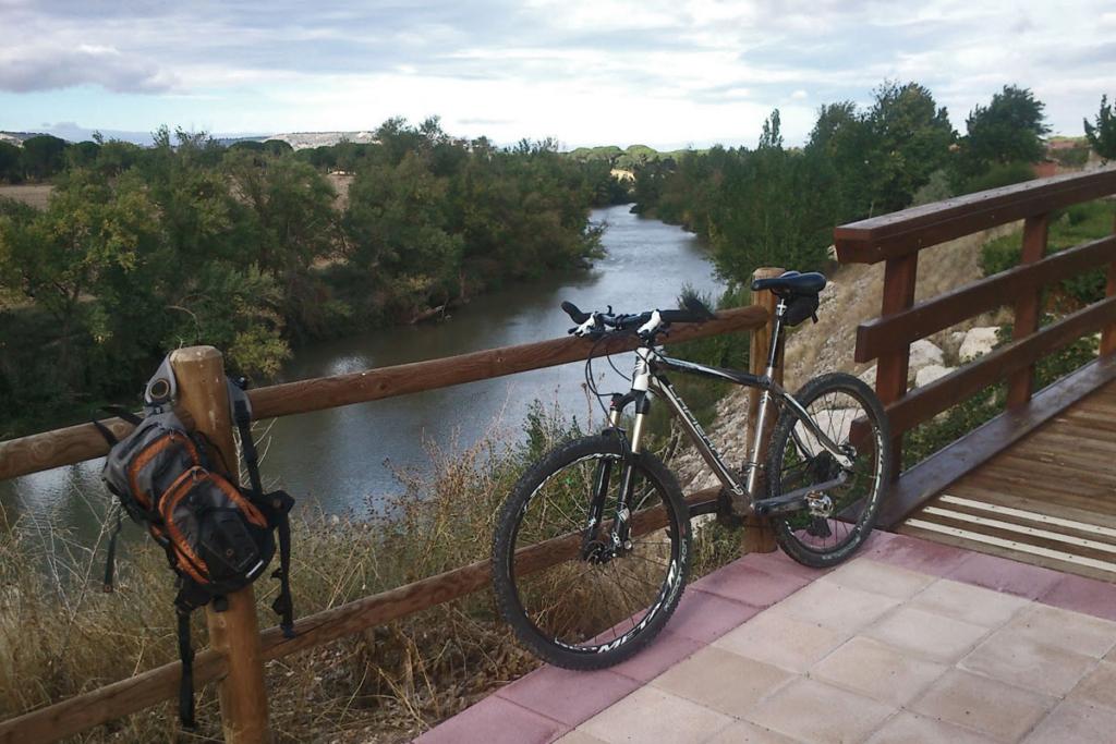 Ocho propuestas viajeras por el sur de Burgos, Río Duero, ruta bicicleta