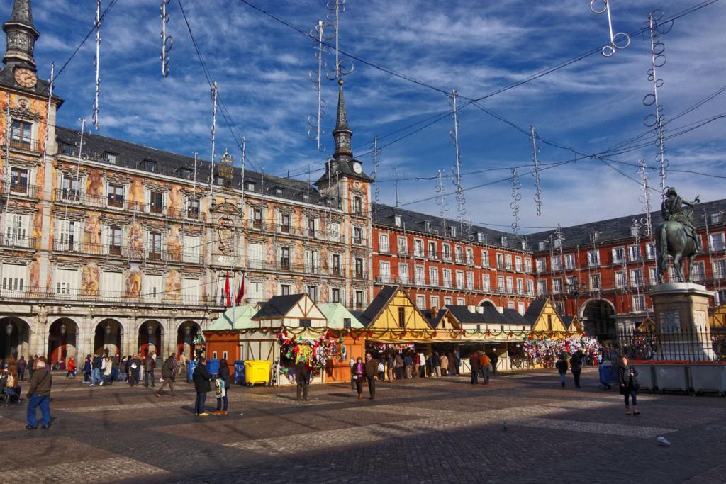 Mercadillos navideños y mi amigo Faustino, Mercado navideño Madrid, Plaza Mayor