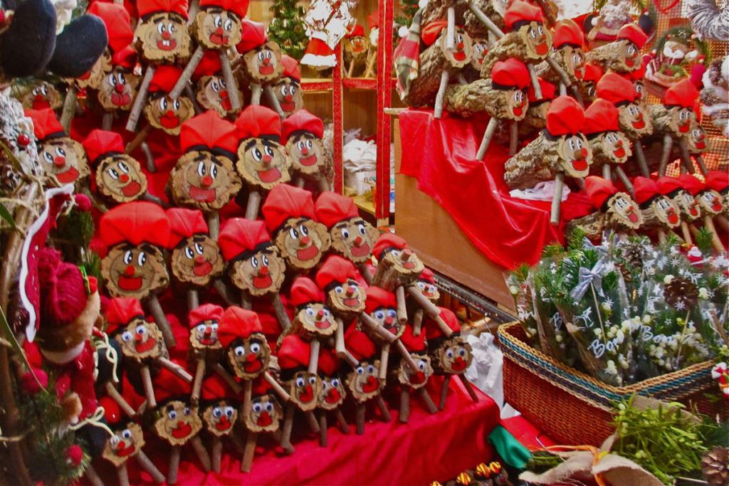 Mercadillos navideños y mi amigo Faustino, Mercado navideño Barcelona, Fira Santa Llucia