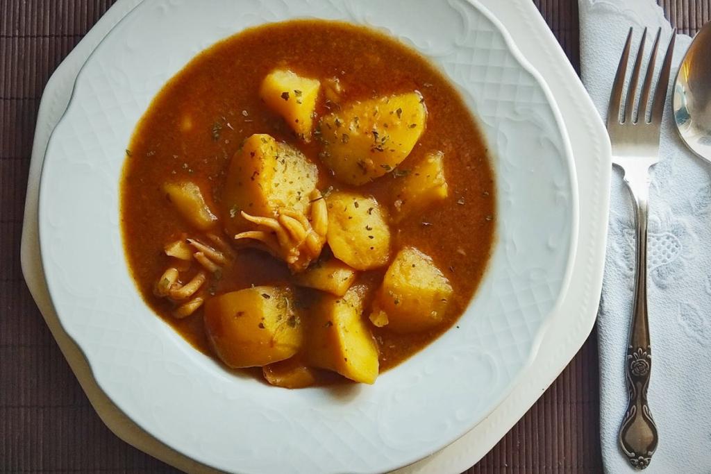 Cinco recetas de patatas y buen vino