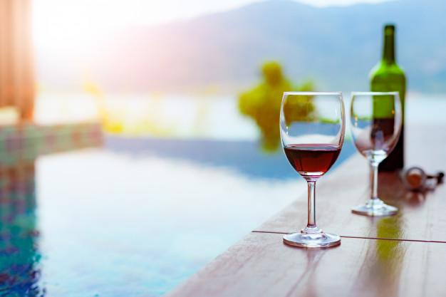 Días de bañito y Chardonnay