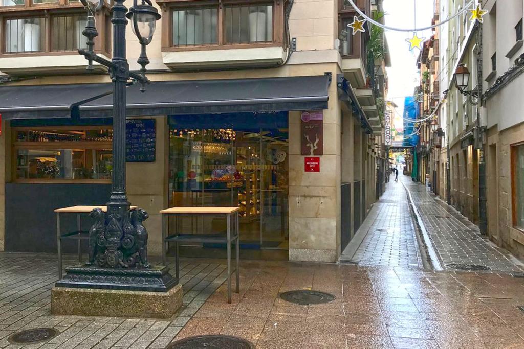 Calle Laurel, alma riojana, ambiente Universal, tapear Logroño, UMM no solo tapas