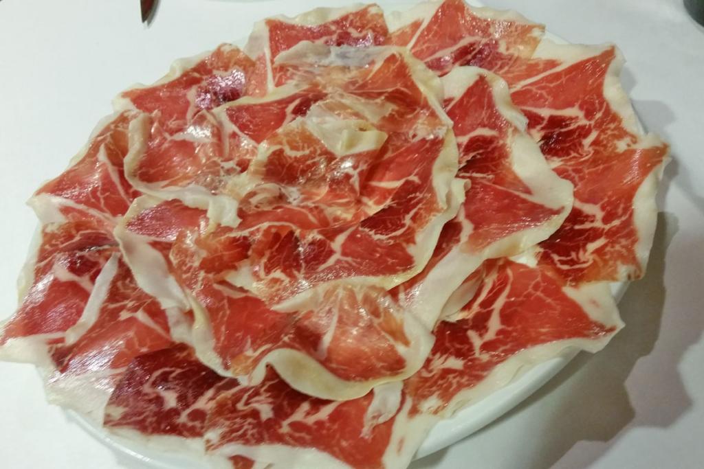 Diez aperitivos españoles que seducen al mundo, Jamón