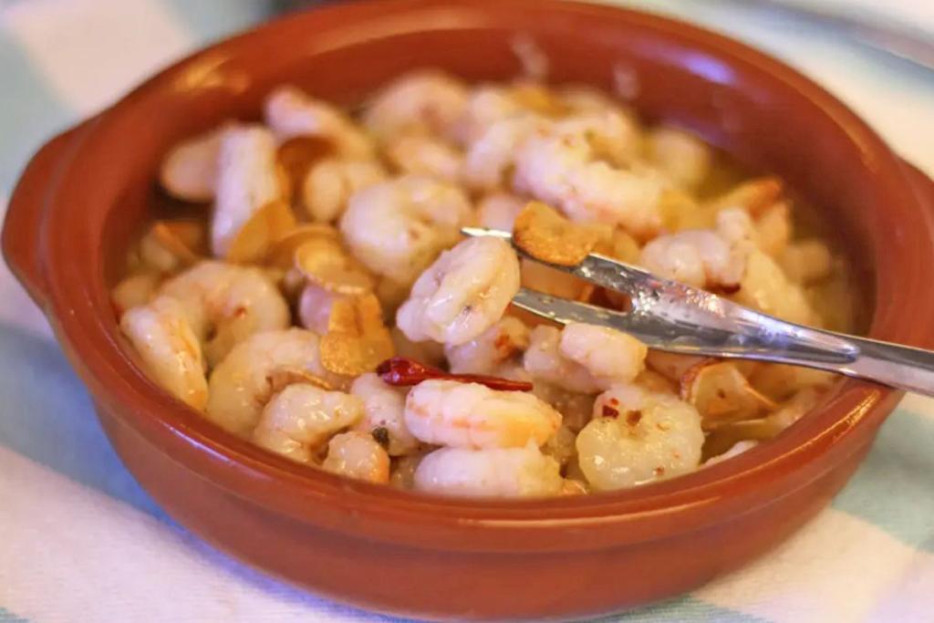Diez aperitivos españoles que seducen al mundo, gambas al ajillo