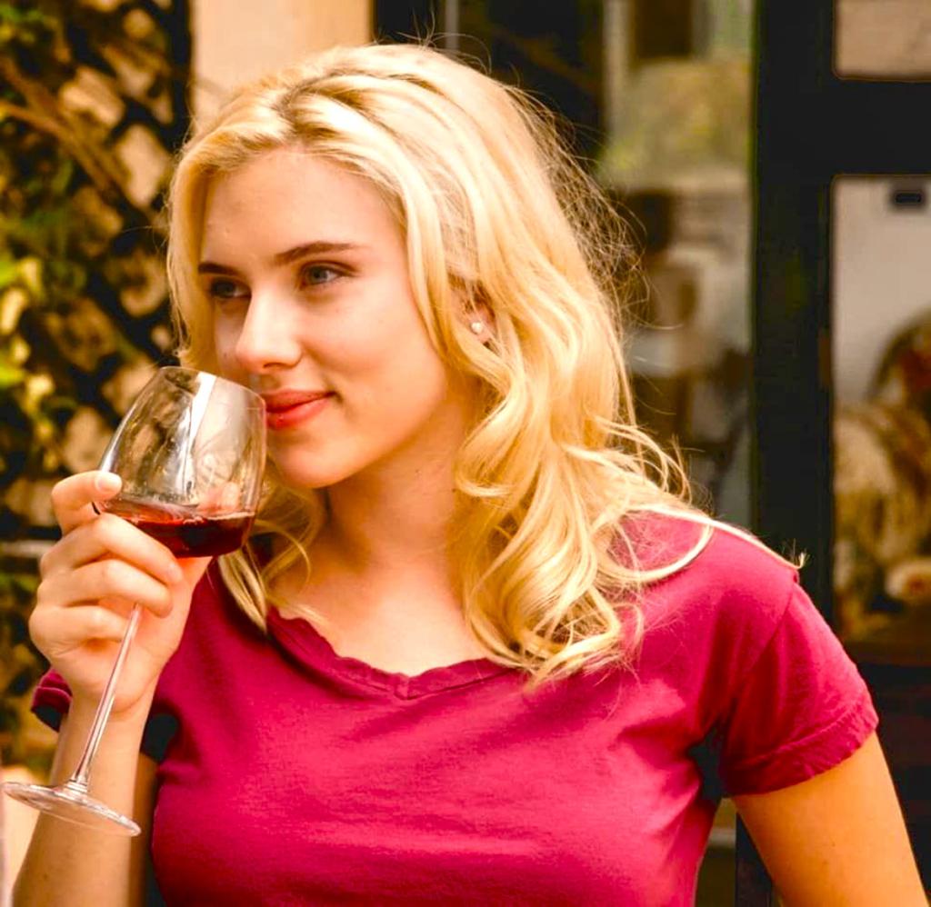 Actrices se dan al vino, Scarlett Johansson
