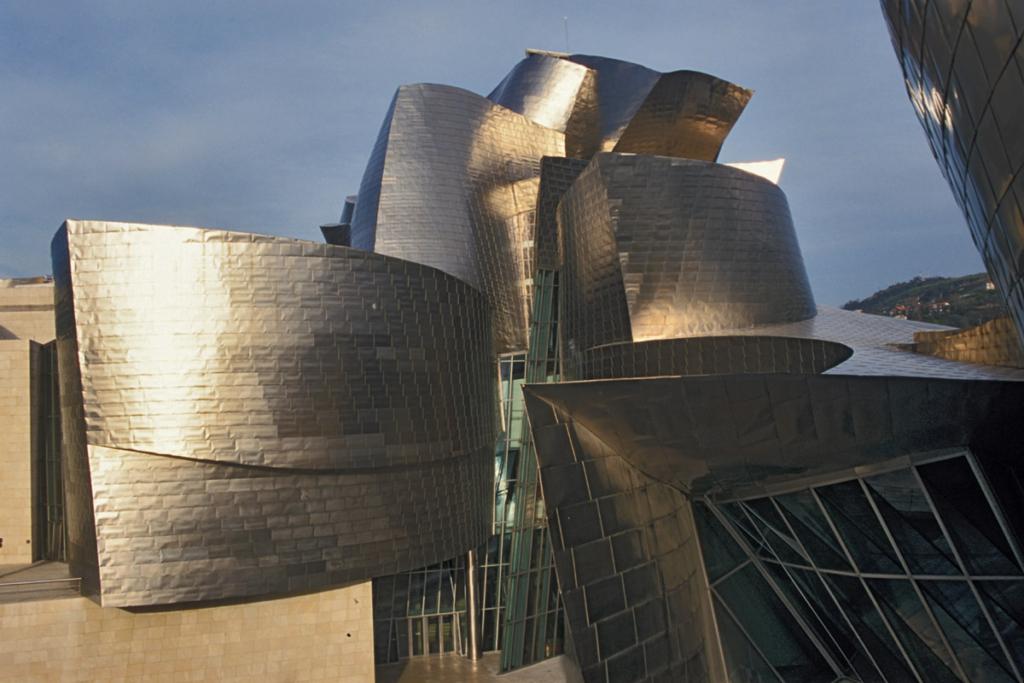 Diez monumentos emblemáticos españoles - primera parte, Museo Guggenheim, Bilbao