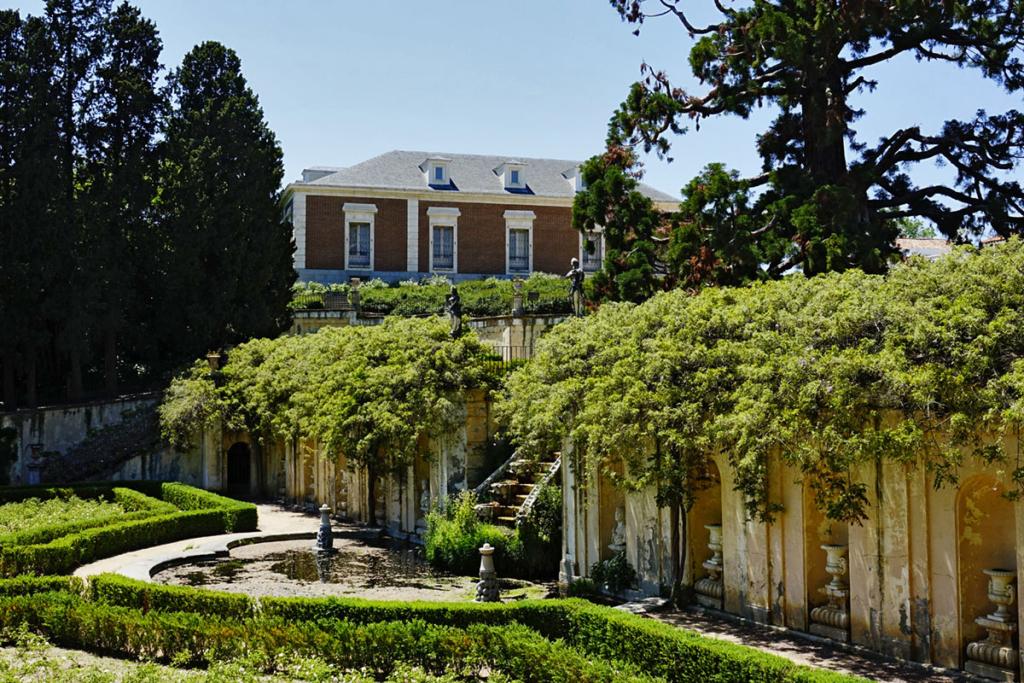 Jardines con viñedos, Quinta Duque del Arco, El Pardo, Madrid