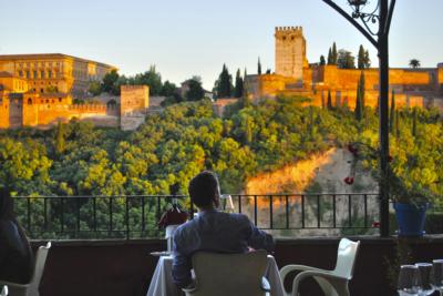 Diez monumentos emblemáticos españoles - primera parte, Alhambra, Granada
