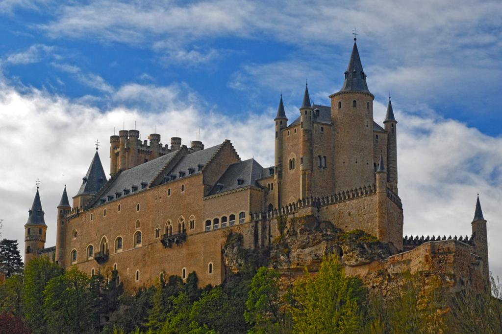 Diez monumentos emblemáticos españoles - primera parte, Alcázar Segovia