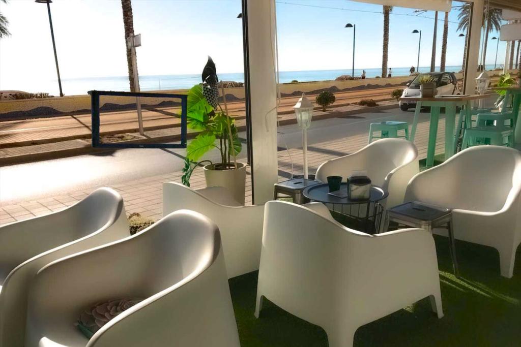 De bares por la costa de Alicante, Muchavista Barra Alicantina